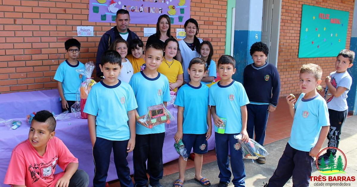Alunos da escola Guita Federmann demonstram talento para os negócios durante a 1ª Feira do JEPP
