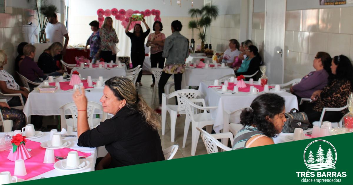 CAPS reúne pacientes e funcionários para celebrar o Dia das Mães