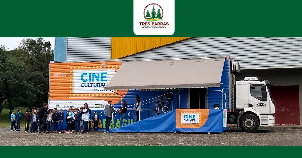 Cine Cultural WestRock oferece quatro opções de filmes a estudantes da rede municipal de ensino