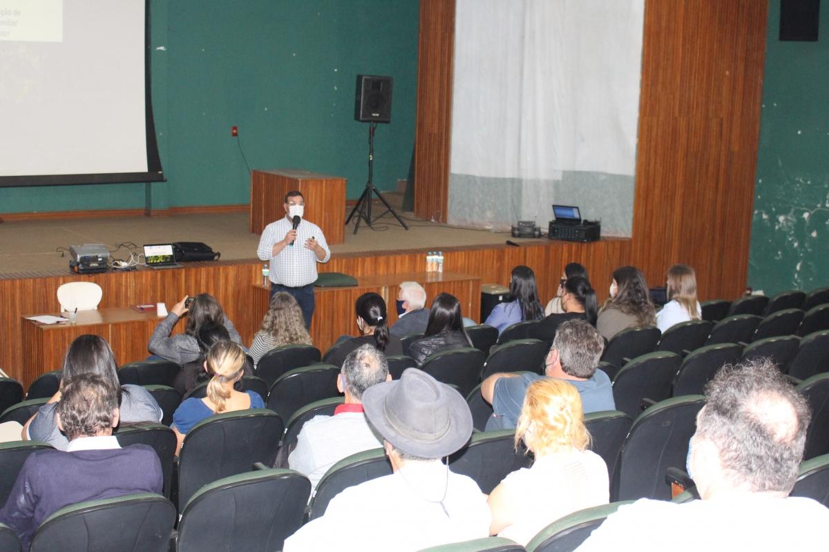 COMERCIALIZAÇÃO DE PRODUTOS DA AGRICULTURA FAMILIAR PAUTOU REUNIÃO PROMOVIDA PELO SEBRAE EM TRÊS BARRAS