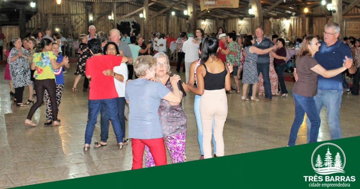 Confraternização entre grupo e idosos do São Cristóvão encerra festividades da Melhor Idade