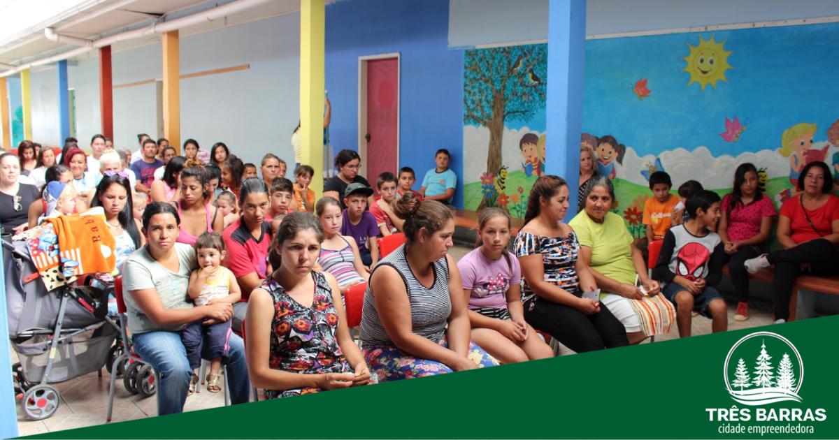 CRAS promove confraternização para celebrar os Dias das Mães e da Família