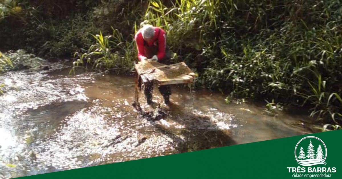 Dois mil quilos de materiais já foram retirados do Rio Barra Grande