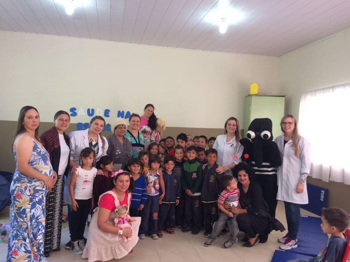 """Equipes da ESF promovem ação na """"Semana Saúde na Escola"""""""