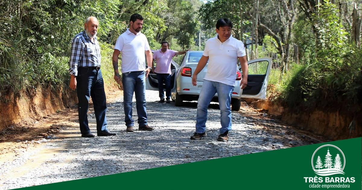 Estradas estão sendo recuperadas em São João dos Cavalheiros