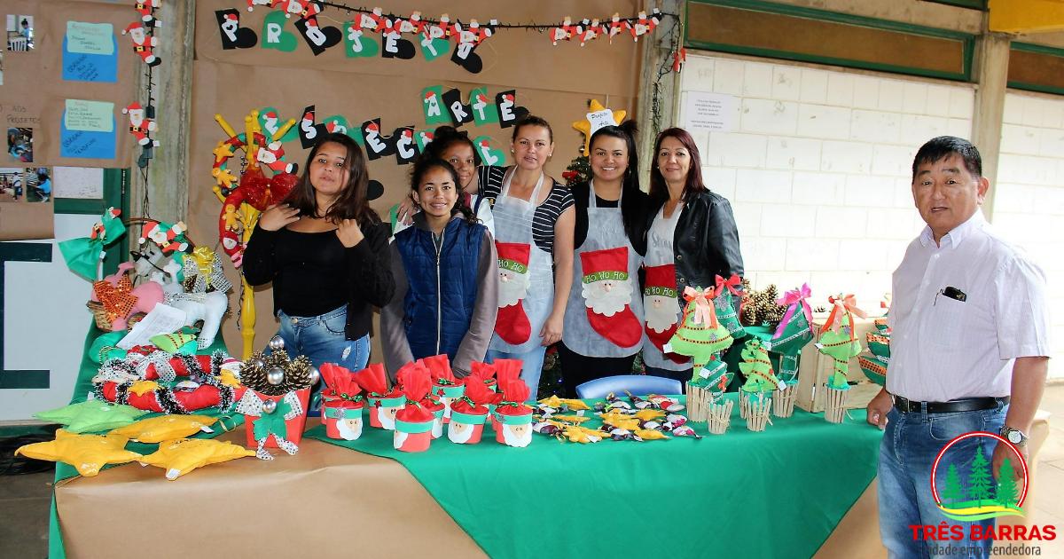 Exposição na escola João Pacheco de Miranda Lima fecha a semana da 1ª Feira do JEPP