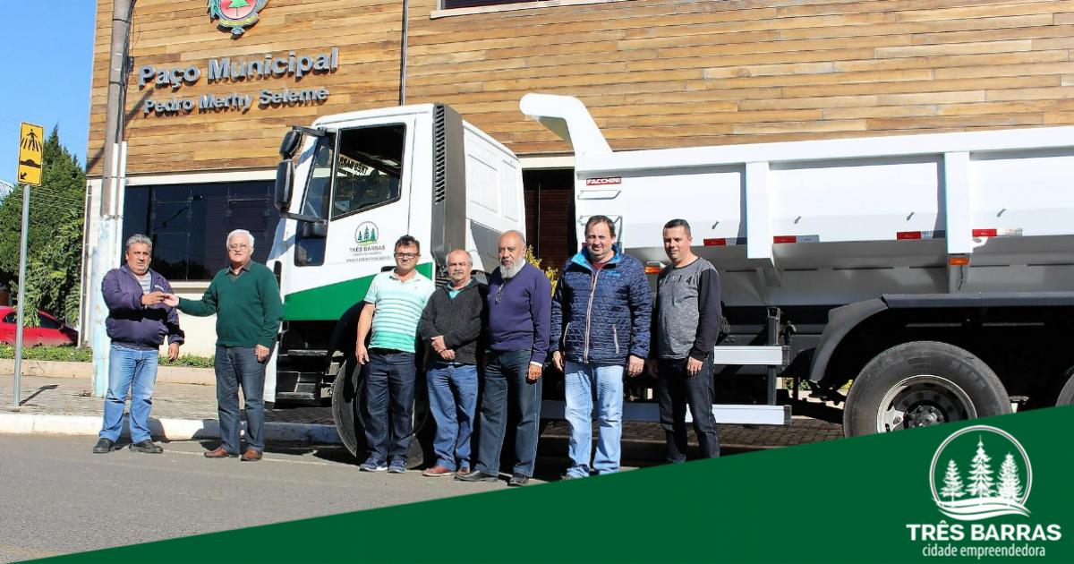 Frota municipal passa a contar com novo caminhão caçamba