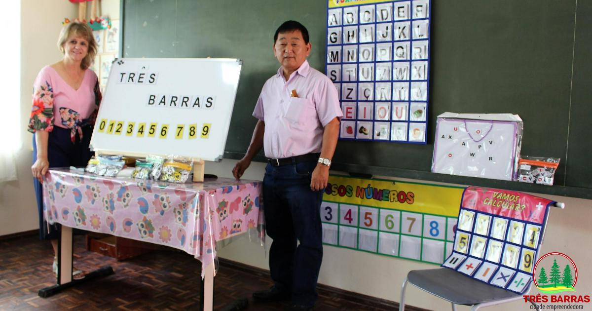 Governo de Três Barras faz aquisição de novos materiais pedagógicos para alunos do pré II e dos anos iniciais