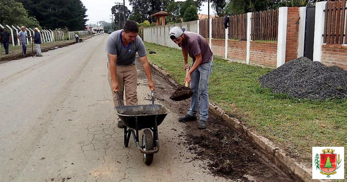 Limpeza pública: equipes realizam força tarefa na cidade e no interior