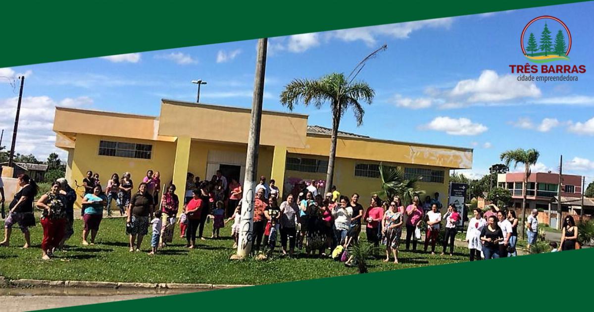Mais de 100 mulheres participam de ação de encerramento do Outubro Rosa
