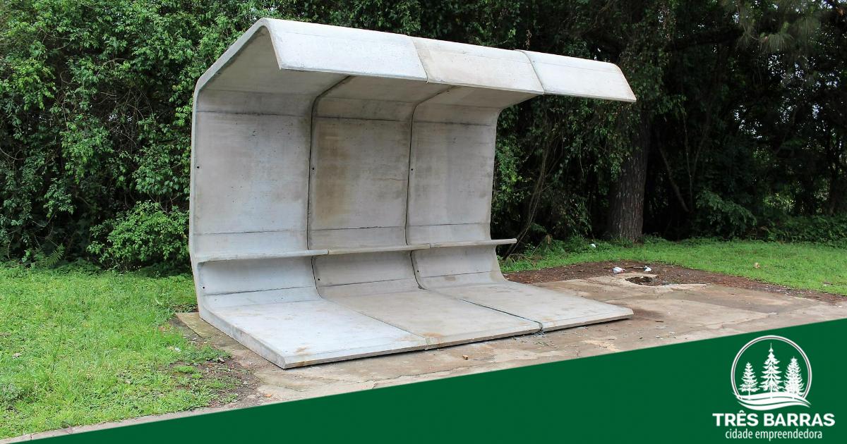 Novo abrigo para passageiros é instalado no ponto próximo a ponte do Rio Barra Grande