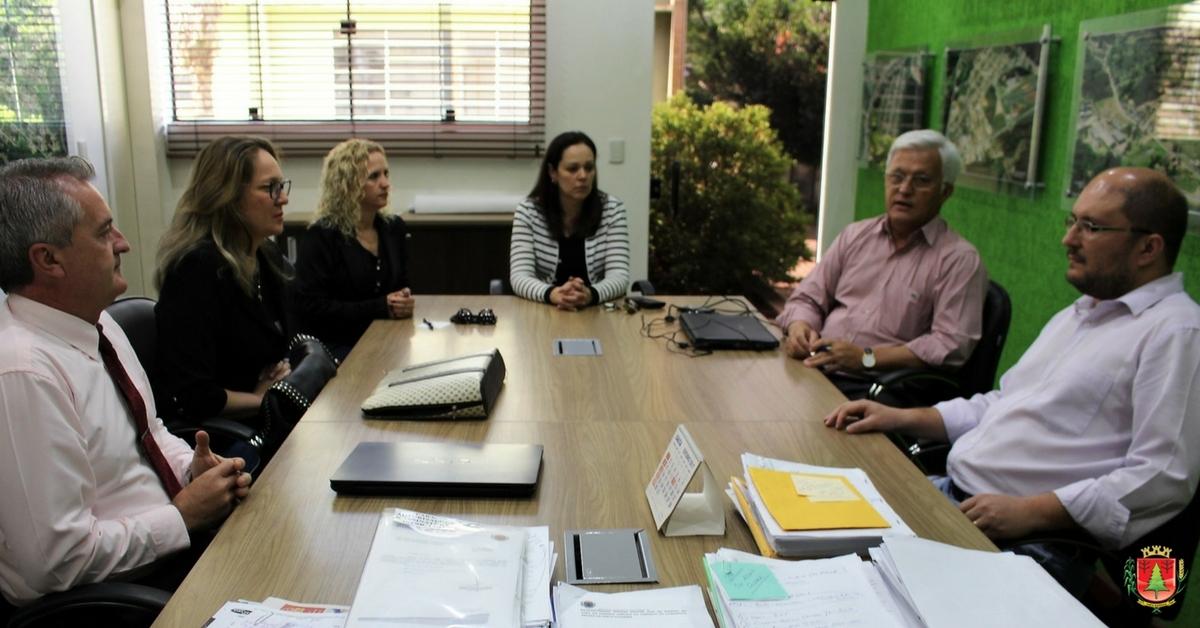 Políticas públicas do SUAS pautam reunião entre representantes do município e da Amplanorte
