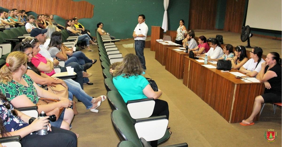 Professores da rede municipal de ensino participam de escolha de vagas