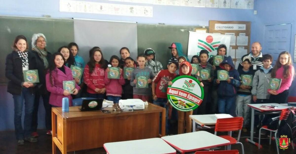 Profissionais da Cidasc e Epagri ministram palestras na escola Francisco Rocha
