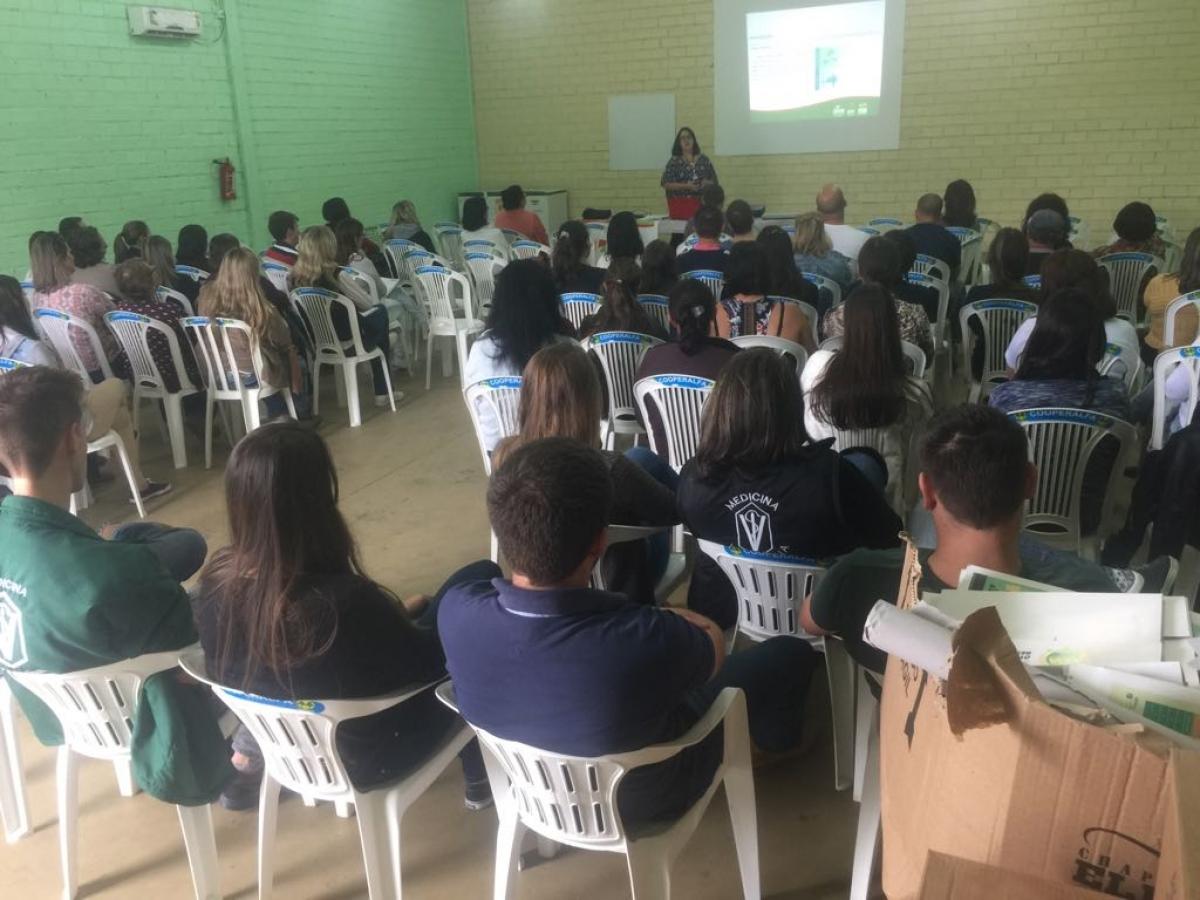 Profissionais de saúde participam de capacitação sobre a Febre Amarela