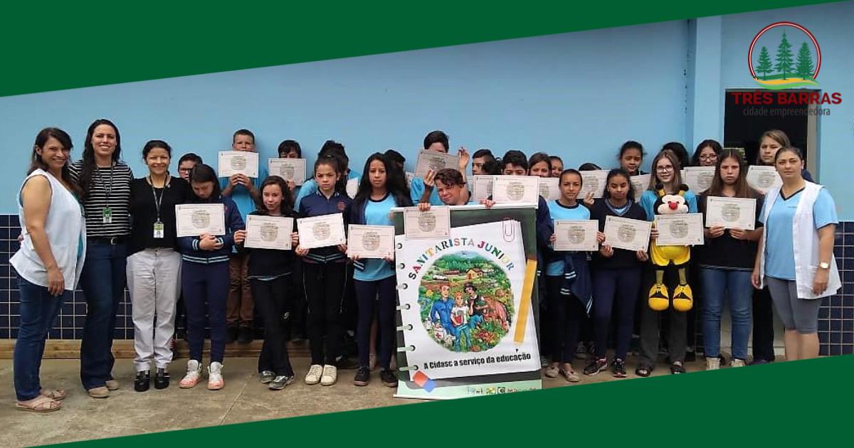 Programa Sanitarista Júnior forma mais 30 alunos de escola municipal do interior
