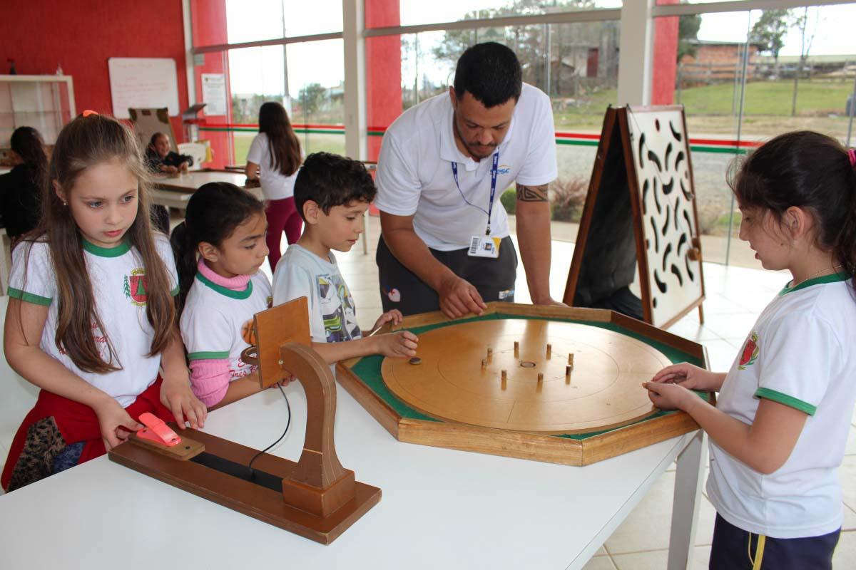 Projeto Sesc Móvel é desenvolvido junto a estudantes de Três Barras