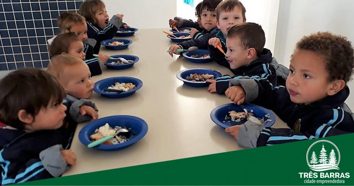 Quase 6 mil refeições são servidas diariamente aos alunos da rede municipal de ensino
