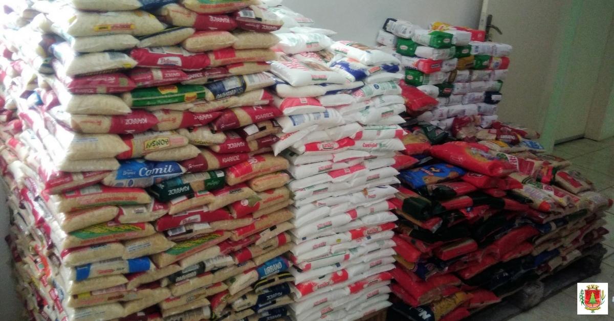 Quase cinco toneladas de alimentos são arrecadadas durante a festa da cidade
