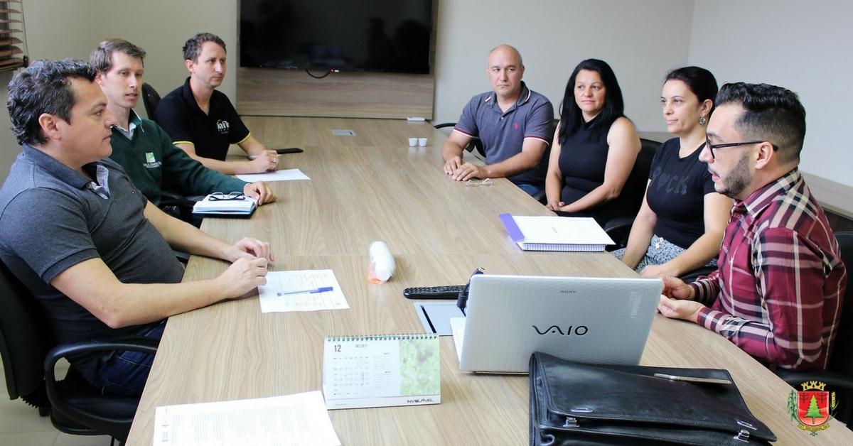 Sala do Empreendedor firma parceria com entidades da região