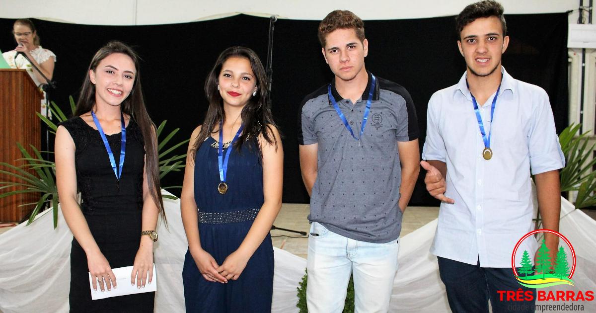 Talentos musicais são premiados durante Festival Estudantil da Canção em Três Barras