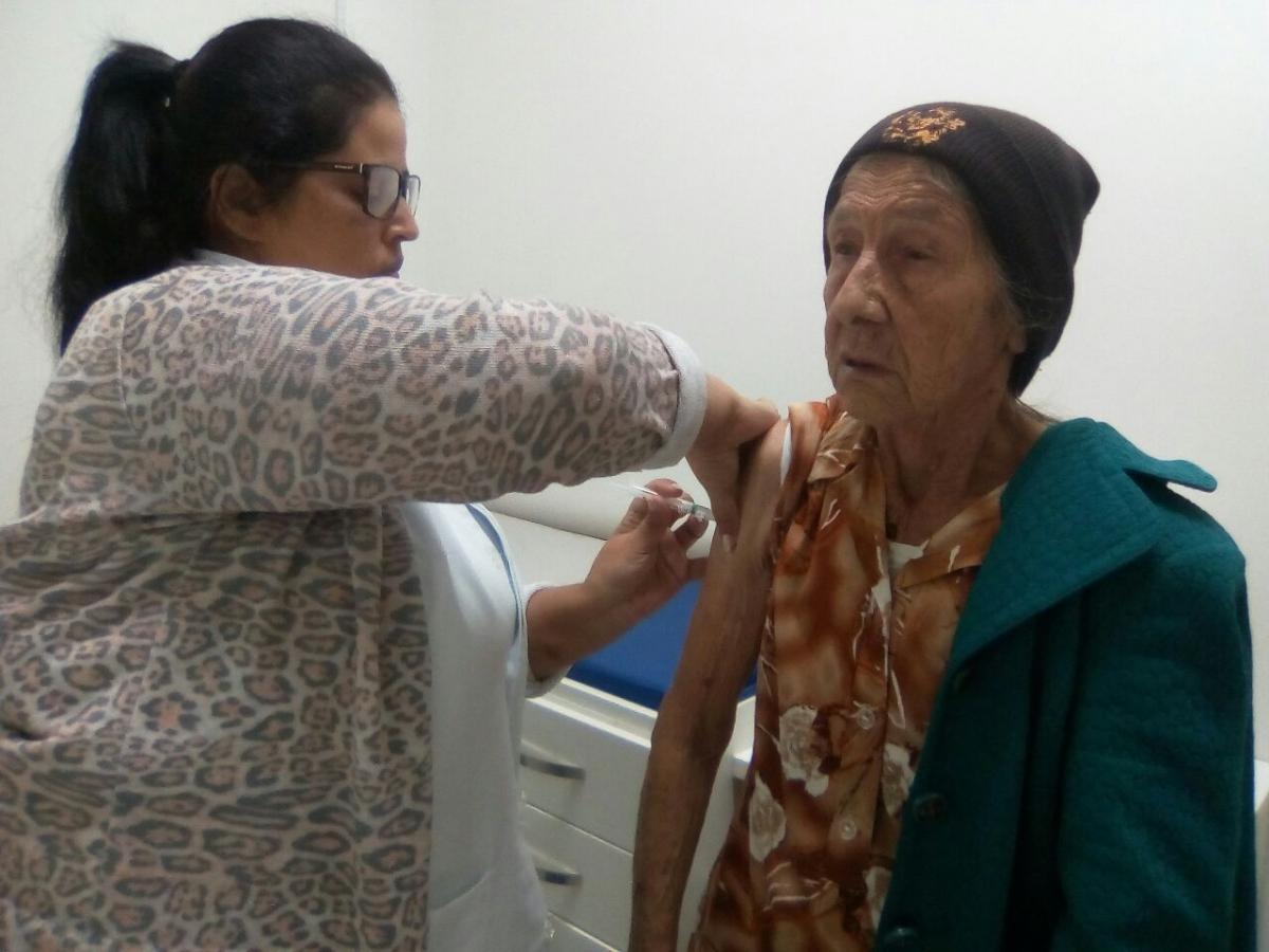 Três Barras já vacinou 36,75% do público prioritário contra a gripe
