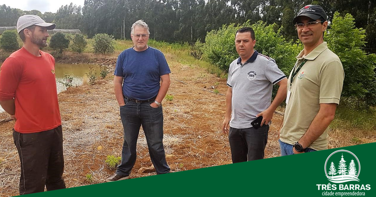 Visita técnica a viveiro trata de campanha de mudas frutíferas para o próximo ano